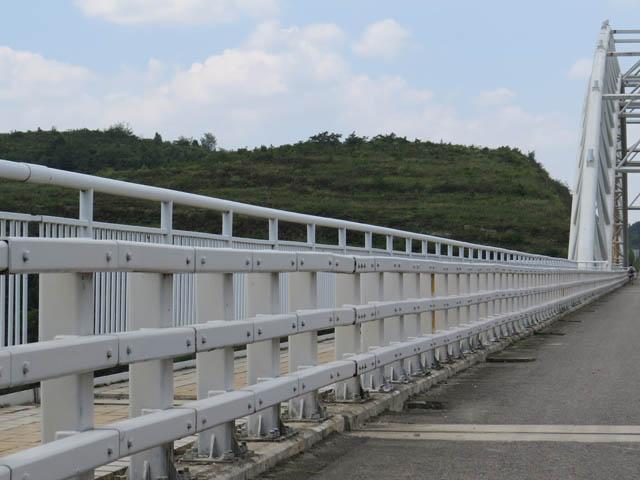 钢结构大桥防撞栏杆