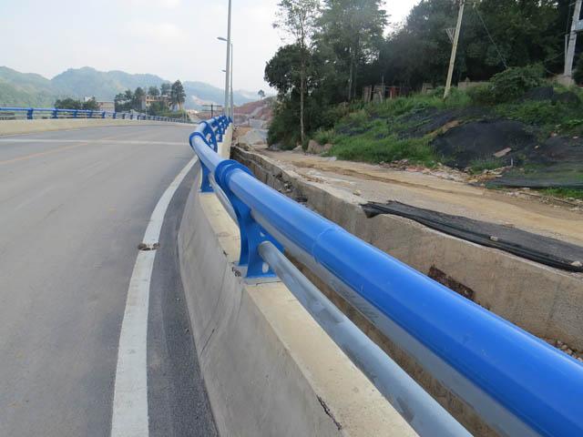 复合管桥梁防撞栏杆